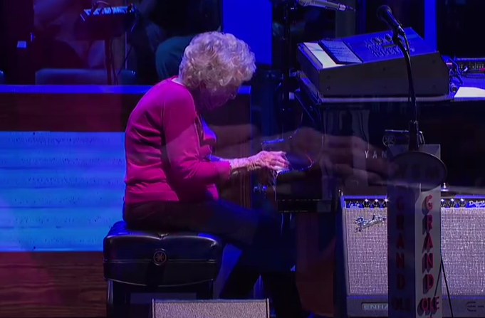 Josh Turner's Grandma Lois Cunningham How Great Thou Art Live at the Grand Ole Opry